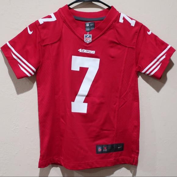 b3ef066b3 Nike 49ers Colin Kaepernick Youth sz 8 Jersey. M 5bf3c751c2e9fec263d007a1